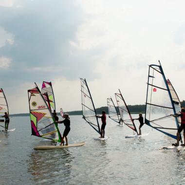 JOT2-windsurfing-szkolenie-dzieci.png