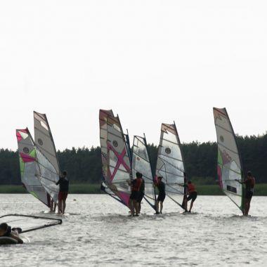 Jot2-szkola-windsurfingu-dabki-24.jpg